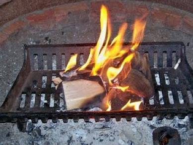 Outdoor-wood-fireplace-grate